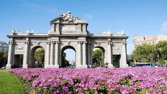 La Puerta de Alcalá y el Palacio de Cibeles