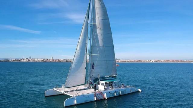 Navegar en Catamarán
